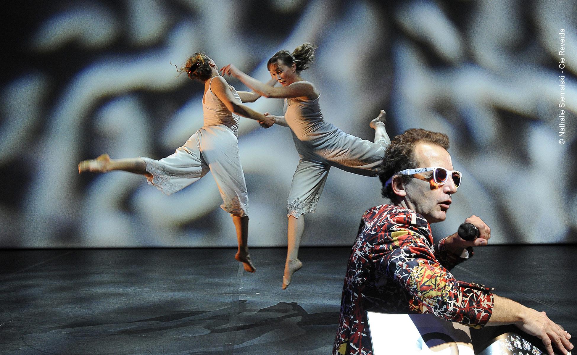 """Le Kaléidoplastique Quizz, grand jeu dansé de l'Histoire de l'Art - """"crédit photo Nathalie Sternalski - Cie Reveida tous droits réservés"""""""